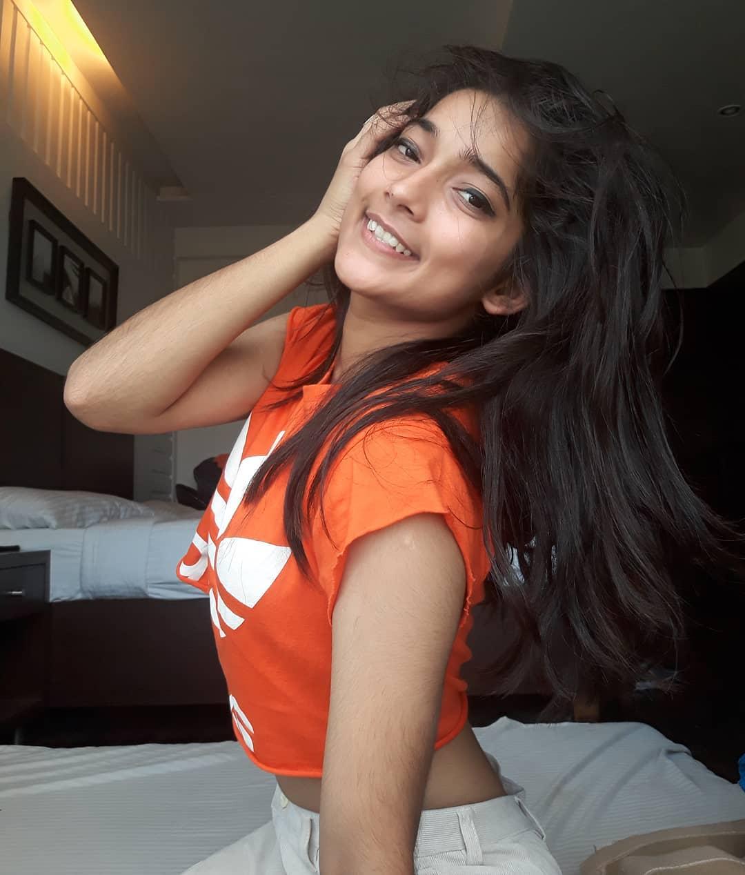 Vartika Jha dancer Sexy images